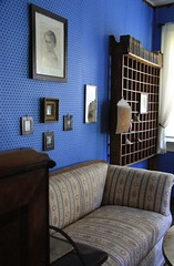 Friedrich Rückert´s study (:Linda:) Tags: wallpaper museum germany painting bavaria town coburg village child room franconia sofa study poet tapete neuses friedrichrückert friedrichrückert´shome