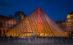 Muse du Louvre - Paris - France (laurent.liu) Tags: paris louvre musee pyramide parisbynight parisnuit