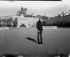 Damien (Denis G.) Tags: portraits rodinal chambre largeformat viewcamera 2014 foma100 standdev largeformatportrait buschpressmand damienpoudret