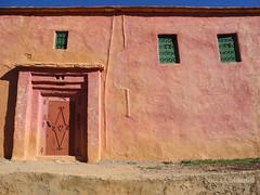 Shades of Red (nina.polareuth) Tags: morocco maroc marokko