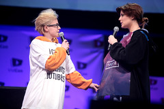 Hannah Hart & Grace Helbig (Gage Skidmore) Tags: california fiction fan hannah center grace tyler convention hart anaheim troye oakley sivan 2014 youtube fanfiction vidcon helbig troyler mamrie