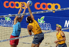 83-fotogalerie-rv.ch (Robi33) Tags: show summer game sport ball court switzerland sand play action competition basel victory player beachvolleyball international block umpire viewers