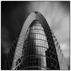 Mode Gakuen Cocoon tower (Masahiko Kuroki (a.k.a miyabean)) Tags: bw architecture square noiretblanc 新宿 コクーンタワー fujixe1 fujifilmsuperebcxf2841855mm