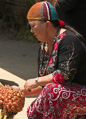 A Kelabit woman (Singgai) Tags: food festival costume dress traditional sarawak borneo cultural foodfestival headgear bario kelabit culturalfestival kelabitwoman elongateearlobes