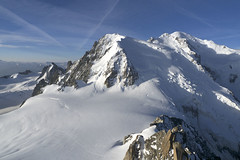 Chamonix, massif du Mont-Blanc (Ytierny) Tags: panorama france horizontal altitude glacier neige midi blanche chamonix montblanc glace alpinisme hautesavoie sommet valle aiguille et belvdre srac massifdumontblanc hautemontagne alpesdunord ytierny