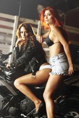 Eliana Ospina y Tatiana Vsquez (Sergio Gil Fotgrafo) Tags: girls hairy fashion glamour arms aprobado