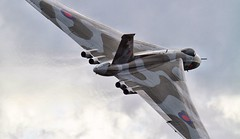Avro Vulcan B2 XH558 Dunsfold Wings and Wheels 2014 (SupaSmokey) Tags: wings wheels b2 vulcan dunsfold avro 2014 xh558