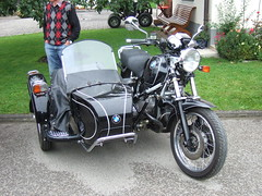 BMW R100 sidecar (John Steam) Tags: vintage germany bayern meeting motorbike bmw motorcycle sidecar motorrad beiwagen 2014 r100 mehring teisendorf oldtimertreffen seitenwagen