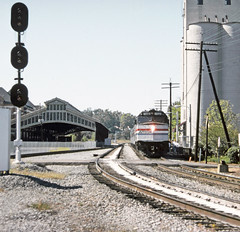 Amtrak Gulf Breeze, led by EMD F40PHR locomotive # 364, has just stopped a