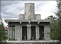 3273827903_79ebc6f8b0_o (gray.florie) Tags: abandoned beach mexico yucatan tulum caribbean allrightsreserved xpuha therebeastormabrewin usewithoutpermissionisillegal 2009florencetomasulogray floriegrayfloriegrayflorencetomasulograytomasuloflorie junglefloriegraycom