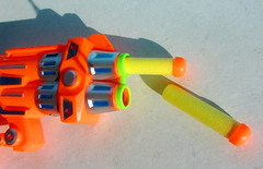 Alien Invasion Only You Can Save Us Foam Dart Shooter By ITP Imports Alien FX Industries Toy Bank England - 4 Of 7 (Kelvin64) Tags: alien invasion only you can save us foam dart shooter by itp imports fx industries toy bank england
