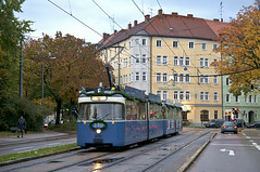 P-Zug 2010/3004 am St.-Martins-Platz (Frederik Buchleitner) Tags: 2010 3004 linie7 liniee munich mnchen pwagen strasenbahn streetcar tram trambahn mnchen straenbahn