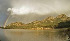 los colores divinos en el preson de buenavista (luisrobertolozanohaller) Tags: colores lago arcoiris montaas bosque luz momento tranquilidad divino buenavista preson matachi nuves lluvia