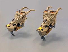 Barbed Drone (Ballom Nom Nom) Tags: bionicle lego barbed drone