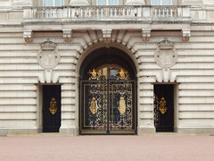 Buckingham Palace Second Gate (anastzach) Tags: london buckingham palace victorian age gold
