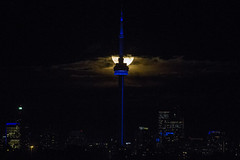 Hunter Moon and Toronto skyline (jer1961) Tags: toronto cntower moon fullmoon huntermoon supermoon clouds torontoskyline