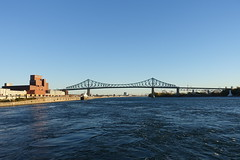 Pont Jacques Cartier @ Old Port @ Ville-Marie @ Montreal (*_*) Tags: montreal mtl canada quebec northamerica 2016 autumn fall october city sunny morning villemarie automne vieuxport oldport port bridge jacquescartier