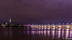 Bordeaux : Pont de Pierre, Basilique St Michel, Porte de Bourgogne et la Garonne (Shoot Enraw) Tags: bordeaux france aquitaine poselongue pontdepierre 1116mm garonne basiliquestmichel nuit