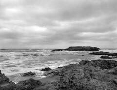 r011-06 (sheelkapur) Tags: filmisnotdead ishootfilm ilford hp5 iso400 mamiya rz67 pro gameoftones waves storm pescadero california tones sekkor mediumformat epson v800 analog analogue film landscape ocean
