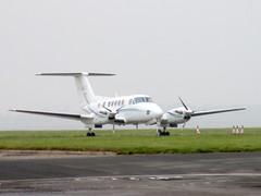 F-GHOC parked. (aitch tee) Tags: cardiffairport aircraft beech superkingair fghoc parkedonthecambrian signatureaircrafthandling cwlegff maesawyrcaerdydd walesuk ttail
