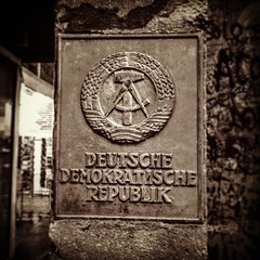 DDR #EastGermany #EastBerlin #ColdWar #NeverAgain (gaypunk) Tags: instagramapp square squareformat uploaded:by=instagram hefe east berlin germany ddr stalinism cold war never again