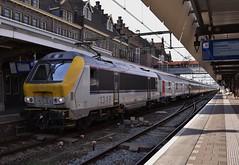 NMBS HLE 1346 met Lourdestrein (spoor4.com) Tags: nmbs hle13 reeks13 lourdestrein lourdes intercity express station maastricht lim limburg nederland tre trein treinen dutch train trains holland