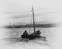 Abra (Luis_mail) Tags: blackandwhite marinero pescador barco getxo santurtzi bizkaia luismail