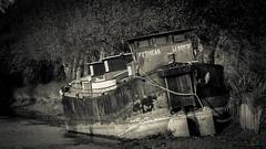 Novembre 2016-2898 (laurent-loïcfuentes) Tags: canon 70200 monochrome noiretblanc blackwhite robine canal boat péniche novembre2016 paysage