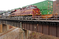 Pair of Pennsy Keystones (craigsanders429) Tags: norfolksouthern pennsylvaniarailroad beaverfallspennsylvania pennsylvania bridges railroadbridges pennsykeystone norfolksoutherntrains nsstacktrains stacktrains nsinpittsburgh pittsburgh railroadsofpittsburgh pittsburghrailroads nspennsylvaniarailroadheritageunit nspennsyheritagelocomotive nsprrheritagelocomotive nsmotivepower nslocomotives containertrains trains passingtrains nsheritagelocomotives nsheritageunits norfolksouthernheritageunits norfolksouthernheritagelocomotives