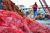 In the red web (Civitavecchia, Italy) (Instragram Andrea TigerVianelli) Tags: net rete pescando pescatore porto civitavecchia darsena corso fotografia acqua uomo persone people italia italy nikon d5100 andrea rosso capture vr fishing red rouge