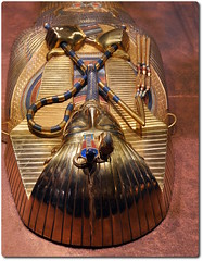 Inner Coffin of Tutankhamun (oar_square) Tags: egyptianreligion egyptianart coffinsofkingtutankhamun discoveredbyhowardcarter mummifiedfigureofosiris crook flail
