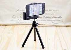 Tripod For Smartphone Camera (Photo: MilkADeal on Flickr)