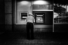 Wells Fargo (_Bruno_Ribeiro_) Tags: street atlanta people urban blackandwhite bw usa georgia photography mono shadows streetphotography documentary fujifilm exploration bnw journalism x100 bwstreetphotography brunoribeiro sinched fujix100