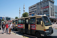 Istanbul - Gaziosmanpaşa (- yt -) Tags: street turkey istanbul snap minibus gaziosmanpaşa sharedtaxi fujifilmxe1