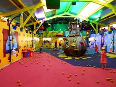 Justin's House Pie-O-Matic Factory (ThemeParkMedia) Tags: family house factory towers bbc merlin land childrens shows rides alton justins attraction attractions cbeebies entertainments pieomatic