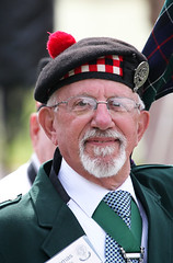 Dressed Up (shadamai) Tags: man hat goatee glasses july scottish northcarolina leslie highlandgames grandfathermountainhighlandgames grandfathermountain 2014 chieftan gripfast clanleslie thomashuxtable