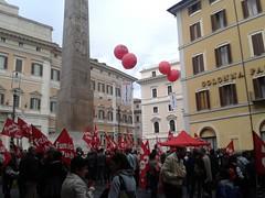 16 maggio 2013: manifestazione CGIL a Montecitorio (lollocas) Tags: camera roma precari manifestazione sitin cgil montecitorio contratto