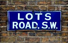 Lots Road / sign (Images George Rex) Tags: uk england london sign wall nikon chelsea unitedkingdom britain bricks sw lotsroad whiteonblue rbkc ccbysa royalboroughofkensingtonandchelsea londonbricks sw10 oldstreetsign lotsrd imagesgeorgerex photobygeorgerex