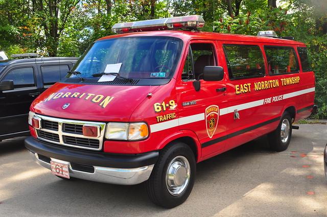 wagon traffic pennsylvania firetruck pa 350 dodge fireengine van 1994 bridgeport ram maxi montgomerycounty nfec norritonfireenginecompany traffic619