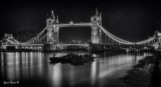 London Bridge B&W