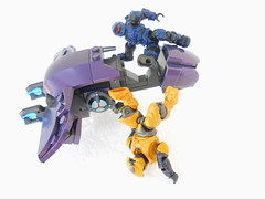I'll be taking this. Yoink! (Homicide_Crabs) Tags: building toys ghost halo elite spartan mega covenant recon unsc bloks
