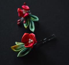 BJD holly 09 (Bright Wish Kanzashi) Tags: christmas winter red green festive pin handmade mini bjd hollyleaves hollyberries hollyberry kanzashi hairornament tsumamikanzashi bjdkanzashi
