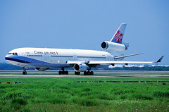 McDonnell Douglas MD-11 China Airlines B-18152 (Manuel Negrerie) Tags: mcdonnell douglas md11 china airlines b18152 taoyuanairport cksairport taiwan cal ci mddc transport jetliner trijet design dc10 spotting taipei livery aviation