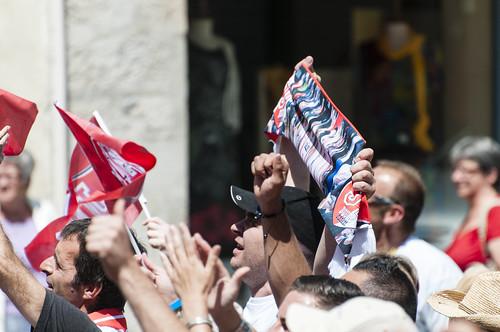 Supporters devant la Mairie - ©2014 Jacques Cormarèche