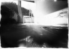scatoletta001inverted (Thea.twinings - Crisvaz) Tags: pinhole homemadepinhole cartafotografica