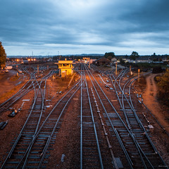 Blue & Orange Train (Alexis Cayot) Tags: square ef rail loire canon l bourgogne 5d eos paysage montchanin carre serie train 24 70 format alexis cayot markii saone