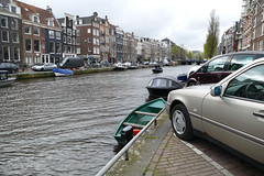 To keep your car from going over...sort of (mollsie) Tags: amsterdam prinsengracht