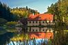 Mühle im Leubengrund (berndtolksdorf1) Tags: mühle teich spiegelung hdr natur landschaft bäume wald trees herbst jahreszeit deutschland thüringen leubengrund