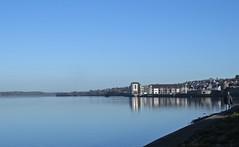 6276 Caernarfon blue (Andy - Busyyyyyyyyy) Tags: 20161129 bbb bluesky caernarfon cymru menaistraits mmm reflections sss water waterfront www