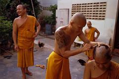 * (Sakulchai Sikitikul) Tags: street snap streetphotography summicron songkhla film 35mm leica thailand monk kodak 200 chicken m6 tattoo